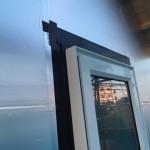 外張り断熱工法時のはね出しバルコニー部の通気処置はこの様な収まり方としています