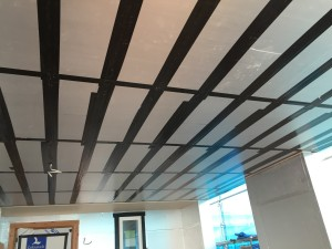車庫天井建物外皮部気密防水テープ張り