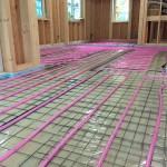 床断熱での屋内床 蓄熱コンクリートポンプ圧送
