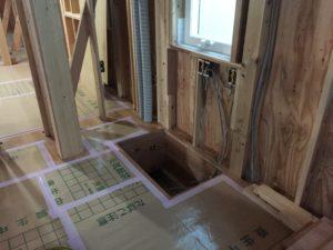 2階床下エアコン開口部