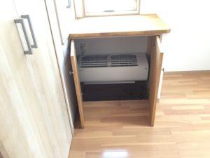 収納箱に収まる2階床下エアコン