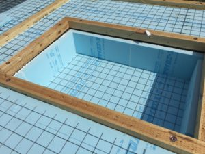 蓄熱式床暖房システム掘りごたつ