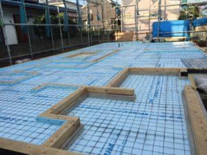 蓄熱式床暖房システム ワイヤーメッシュ敷き