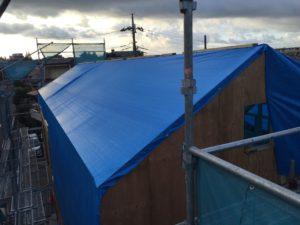 屋根組み雨養生