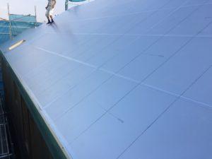 屋根硬質ウレタンフォーム断熱材100mm厚敷き