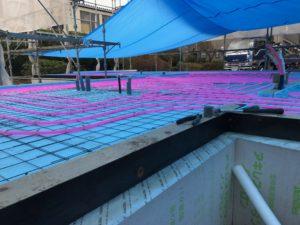 蓄熱式床暖房システムポリエチレン管配管