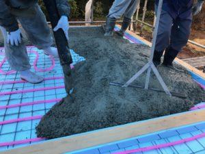 蓄熱コンクリート打設