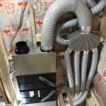 LIXILエコエア90 樹脂タイプのダクトホースを採用しています