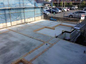 土間床基礎タイプでの蓄熱式床暖房 蓄熱コンクリート養生後