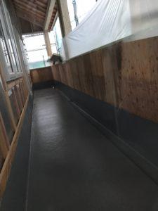 バルコニー床のFRP防水施工