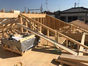 2×4工法 屋根組みとデシカ