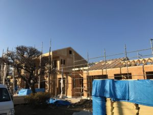 2×4工法 屋根組み北西方向全景