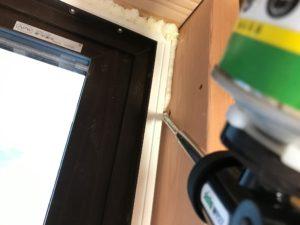樹脂窓 屋内側枠廻り1液型発泡ウレタン充填