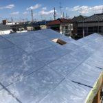 断熱材のアルミ箔面材、日射反射がこの時期は暖かくありがたいものでした