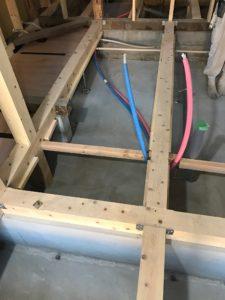 床暖熱 堰板段取り
