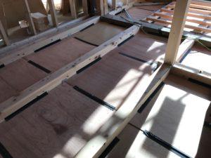 床暖熱 堰板吊り後