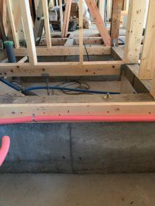 床暖熱 防湿コンクリートから基礎天 H=約400mm