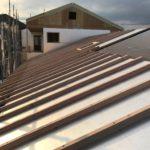 屋根通気工法 通気垂木を並べています