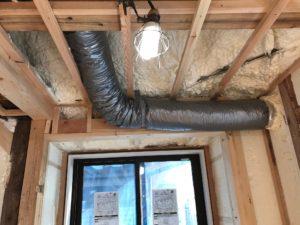 エコエア90 OAダクト配管外壁貫通スリーブ部1液型発泡断熱処理