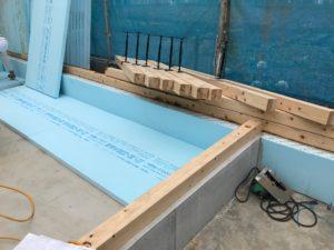 基礎内断熱 基礎外周部3尺幅断熱材敷き状況